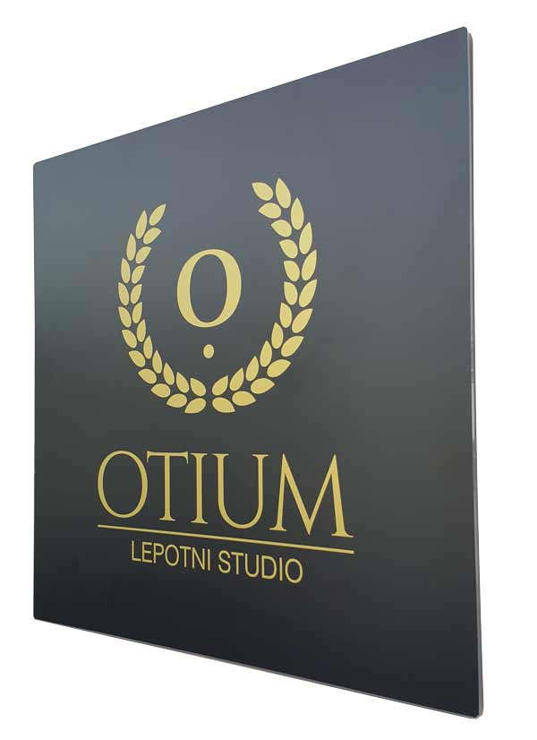 Revolver oblikovanje: Otium - napisna tabla